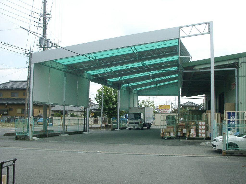 荷捌場テントN-2の施工写真3